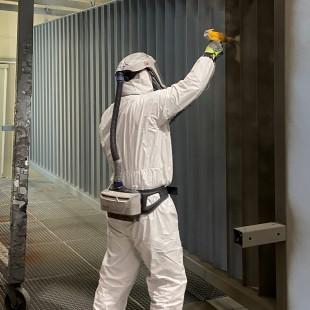 Traitement de surface par poudrage, aussi appelé peinture époxy